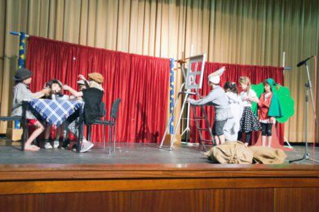 Parchimer Kinder spielen Theater