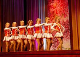 Kinder tanzen für Kinder